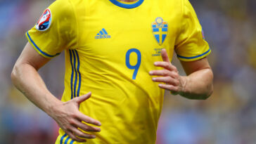 Soccer-Legend-Kim-Källström