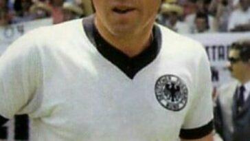 soccer-legend-uwe-seeler