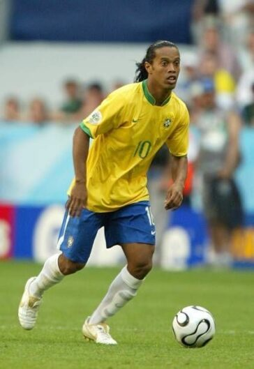 soccer-legends-ronaldinho